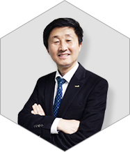 picture of Man-Gil Yang